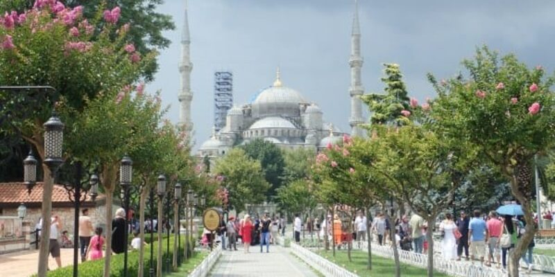 Experiencing Istanbul through Ruins and People   Backpacking Turkey (Part 6)
