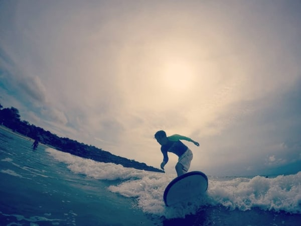 Surf lessons Canggu | ArotherAbroad.com