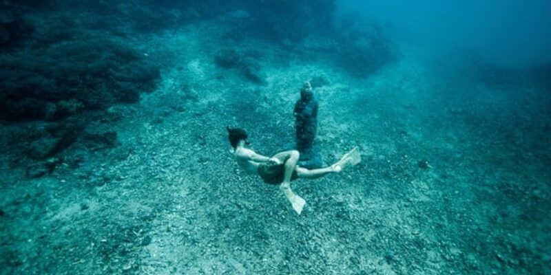 The Quick and Easy Freediving Manual: Breath Holding Techniques, Safety, and More